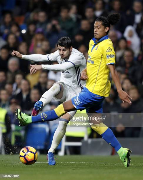 Alvaro Morata of Real Madrid shoots on goal past Mauricio Lemos of UD Las Palmas during the La Liga match between Real Madrid and UD Las Palmas at...