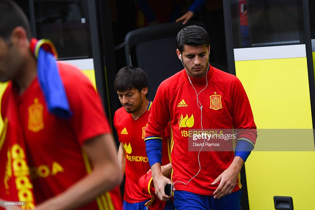 <a gi-track='captionPersonalityLinkClicked' href=/galleries/search?phrase=Alvaro+Morata&family=editorial&specificpeople=6523866 ng-click='$event.stopPropagation()'>Alvaro Morata</a> of Spain arrives for a training session on May 30, 2016 in Schruns, Austria.