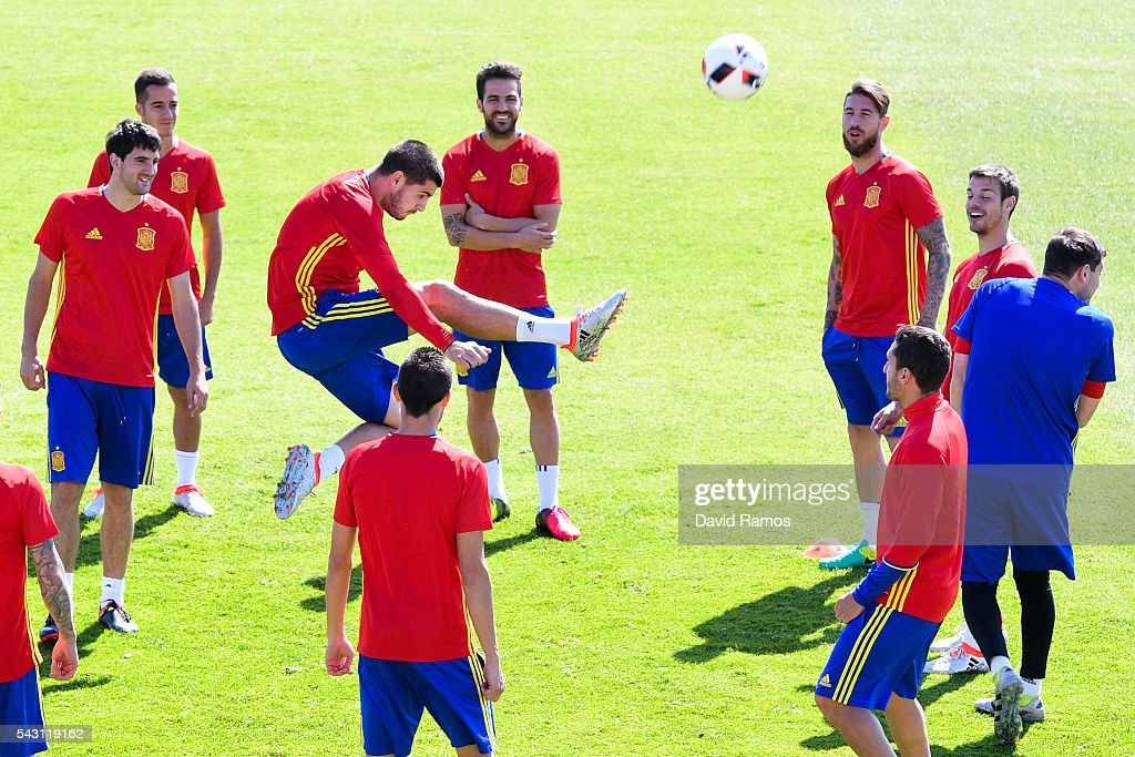 <a gi-track='captionPersonalityLinkClicked' href=/galleries/search?phrase=Alvaro+Morata&family=editorial&specificpeople=6523866 ng-click='$event.stopPropagation()'>Alvaro Morata</a> of Spain in action during a training session ahead of their UEFA Euro 2016 round of 16 match against Italy at Complexe Sportif Marcel Gaillard on June 26, 2016 in La Rochelle, France.