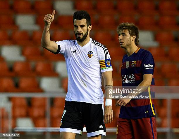 Alvaro Negredo of Valencia celebrates scoring his team's first goal during the Copa del Rey Semi Final second leg match between Valencia CF and FC...