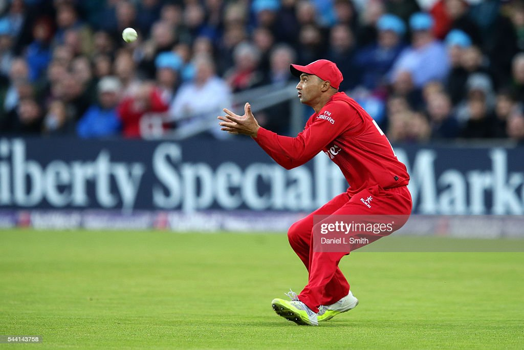 <a gi-track='captionPersonalityLinkClicked' href=/galleries/search?phrase=Alviro+Petersen&family=editorial&specificpeople=4969996 ng-click='$event.stopPropagation()'>Alviro Petersen</a> of Lancashire Lightning catches out Gary Ballance of Yorkshire Vikings during the NatWest T20 Blast match between Yorkshire Vikings and Lancashire Lightning at Headingley on July 1, 2016 in Leeds, England.