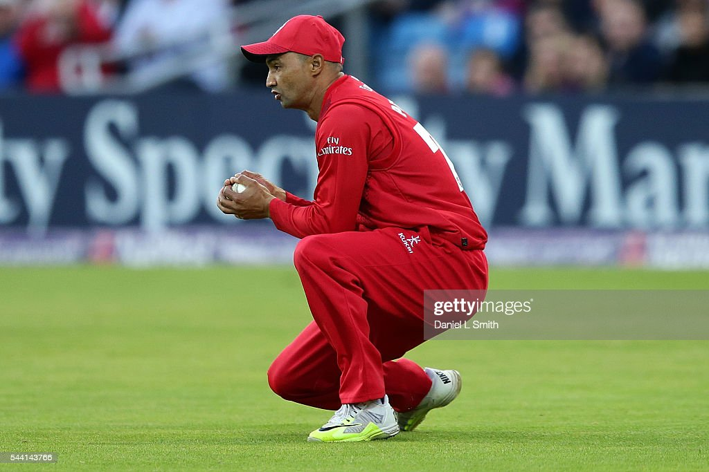 <a gi-track='captionPersonalityLinkClicked' href=/galleries/search?phrase=Alviro+Petersen&family=editorial&specificpeople=4969996 ng-click='$event.stopPropagation()'>Alviro Petersen</a> of Lancashire Lightning cathces the ball from Gary Ballance of Yorkshire Vikings during the NatWest T20 Blast match between Yorkshire Vikings and Lancashire Lightning at Headingley on July 1, 2016 in Leeds, England.