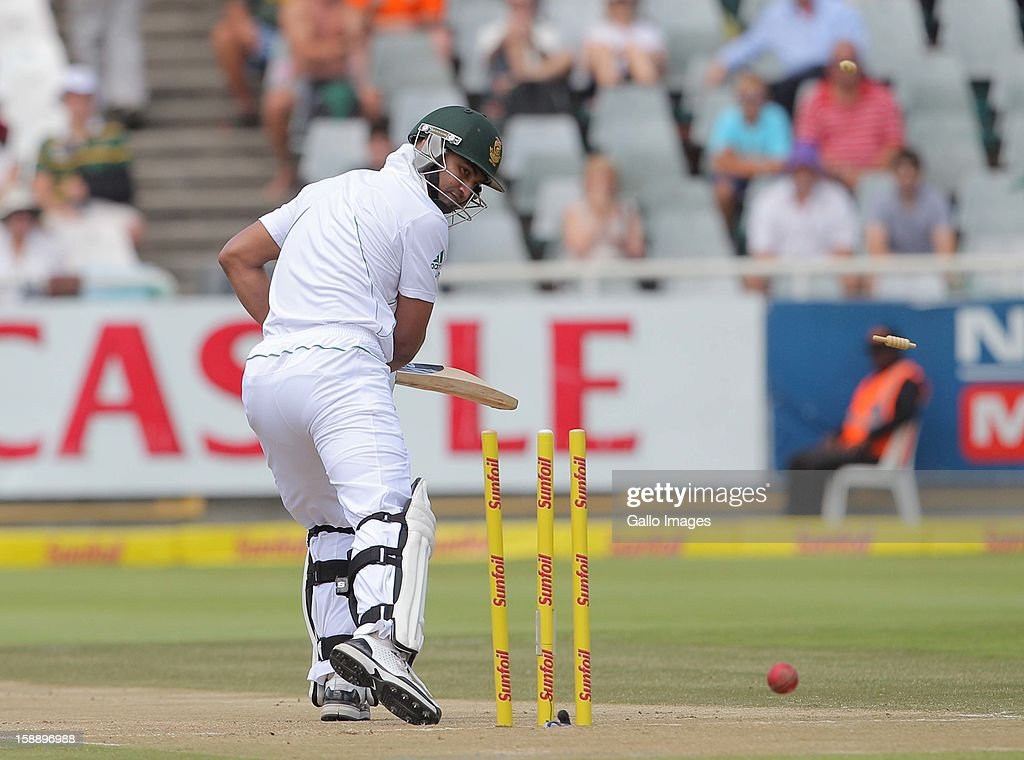 <a gi-track='captionPersonalityLinkClicked' href=/galleries/search?phrase=Alviro+Petersen&family=editorial&specificpeople=4969996 ng-click='$event.stopPropagation()'>Alviro Petersen</a> of the Proteas bowled by Trent Boult of the Black Caps during day 2 of the 1st Test between South Africa and New Zealand at Sahara Park Newlands on January 03, 2013 in Cape Town, South Africa.