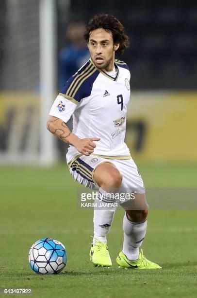 AlWahda's Jorge Valdivia dribbles the ball during the Asian Champions League playoff football match between alRayyan and alWahda at the Jassim Bin...