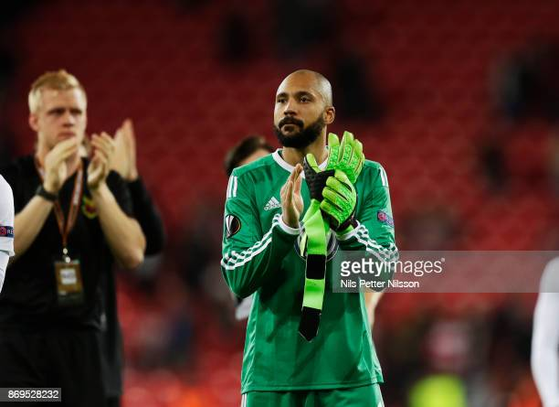 Aly Keita goalkeeper of Ostersunds FK cheers to the fans after the UEFA Europa League group J match between Athletic Bilbao and Ostersunds FK at...