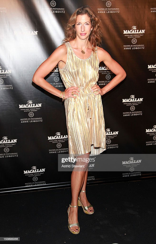 <a gi-track='captionPersonalityLinkClicked' href=/galleries/search?phrase=Alysia+Reiner&family=editorial&specificpeople=655685 ng-click='$event.stopPropagation()'>Alysia Reiner</a> attends The Macallan Masters Of Photography Series at The Bowery Hotel on October 10, 2012 in New York City.