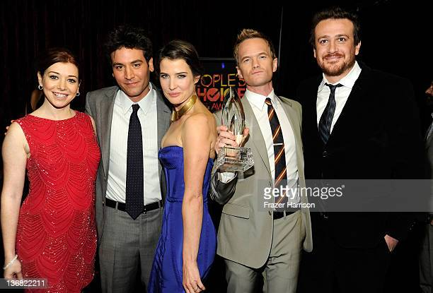 Alyson Hannigan Josh Radnor Cobie Smulders Neil Patrick Harris and Jason Segel with the award for 'Favorite Network TV Comedy' attend the 2012...
