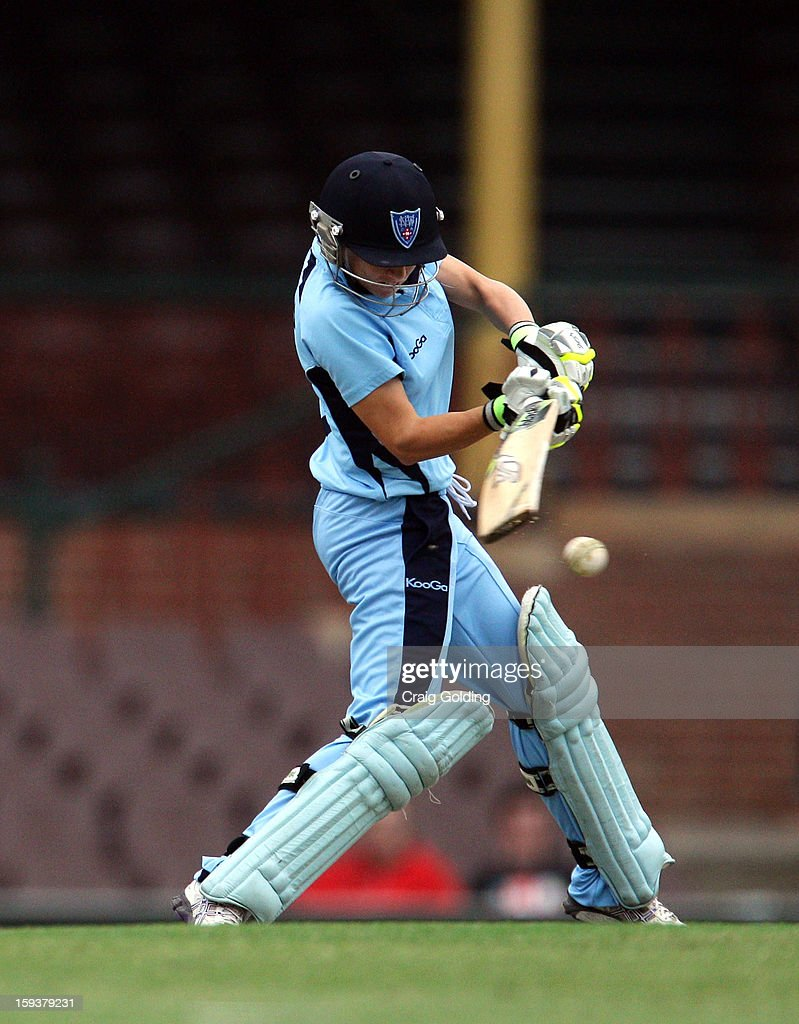 Alyssa Healy bats during the WNCL Final match between the NSW Breakers and the Queensland Fire at the Sydney Cricket Ground on January 13, 2013 in Sydney, Australia.