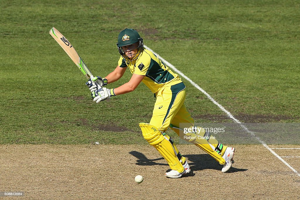 <a gi-track='captionPersonalityLinkClicked' href=/galleries/search?phrase=Alyssa+Healy&family=editorial&specificpeople=5849456 ng-click='$event.stopPropagation()'>Alyssa Healy</a> of Australia bats during game three of the one day international series between Australia and India at Blundstone Arena on February 7, 2016 in Hobart, Australia.