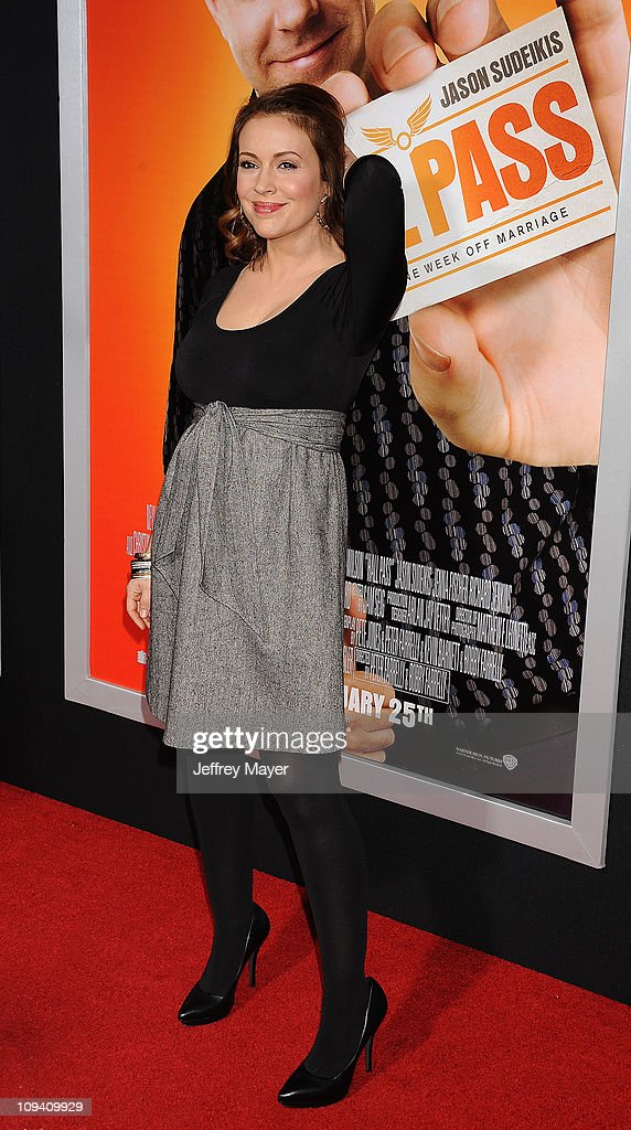Alyssa Milano arrives for the Los Angeles Premiere of 'Hall Pass' at ArcLight Cinemas Cinerama Dome on February 23, 2011 in Hollywood, California.