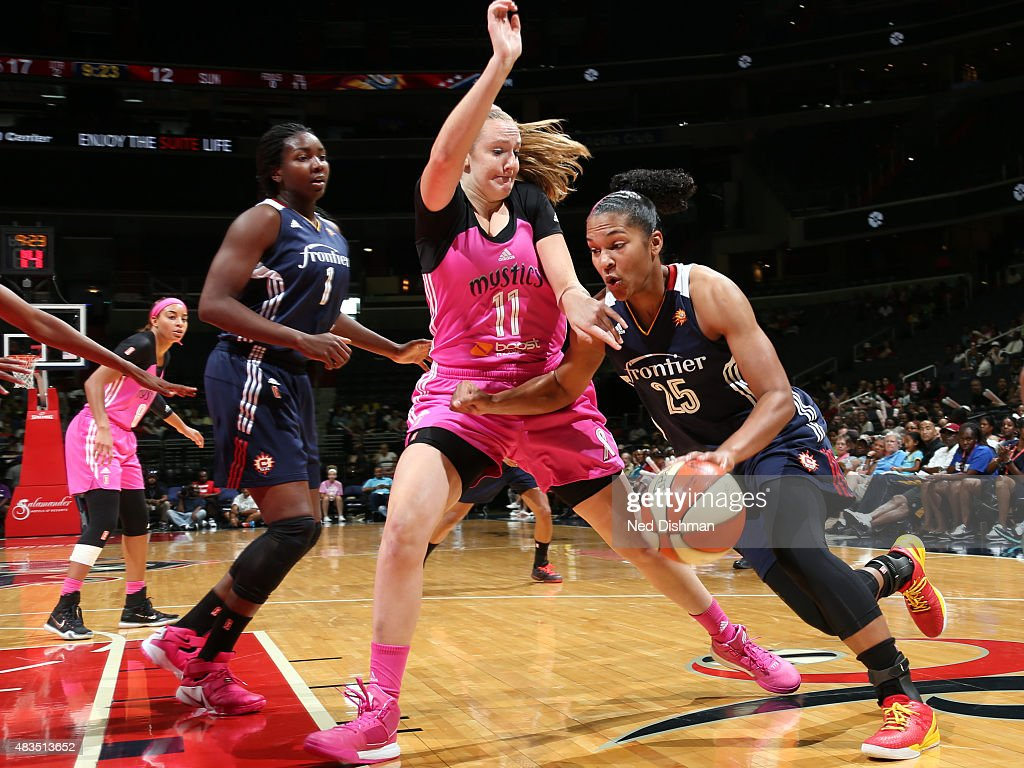 Connecticut Sun v Washington Mystics