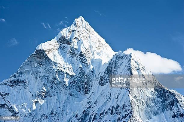 Ama Dablam-gamme au cœur de l'Himalaya