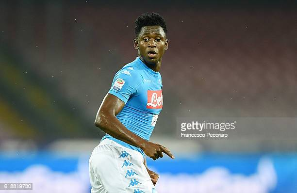 Amadou Diawara of Napoli in action during the Serie A match between SSC Napoli and Empoli FC at Stadio San Paolo on October 26 2016 in Naples Italy