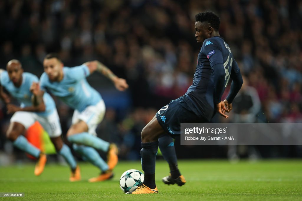 Amadou Diawara of Napoli scores a goal to make it 2-1 during the UEFA Champions League group F match between Manchester City and SSC Napoli at Etihad Stadium on October 17, 2017 in Manchester, United Kingdom.