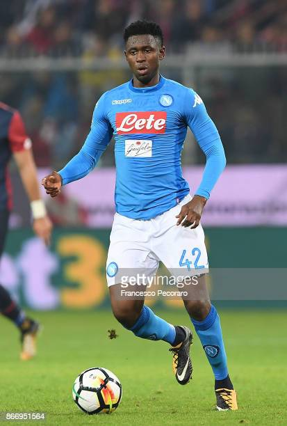 Amadou Diawara of SSC Napoli in action during the Serie A match between Genoa CFC and SSC Napoli at Stadio Luigi Ferraris on October 25 2017 in Genoa...