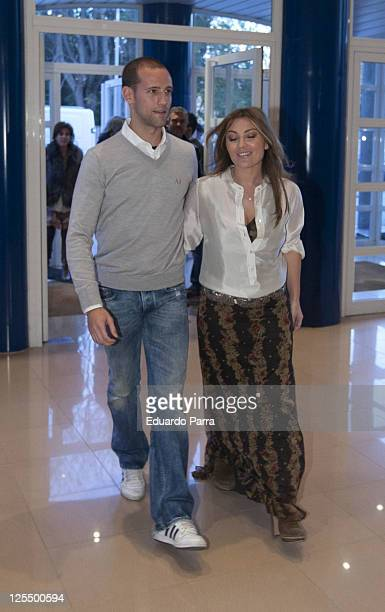 Amaia Montero and Gonzalo Miro attend new Unicef musical christmas press conference at Nuestra Señora del Recuerdo school on November 23 2010 in...