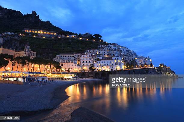 Amalfi e la spiaggia di notte, Campania Italia