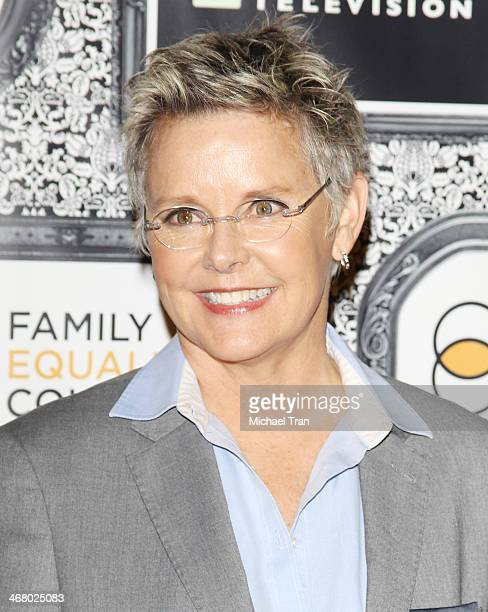 Amanda Bearse Nude Photos 1