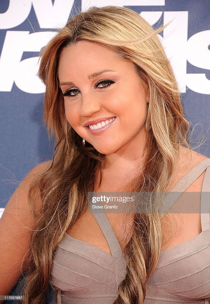 Amanda Bynes attends the 2011 MTV Movie Awards on June 5, 2011 in Universal City, California.