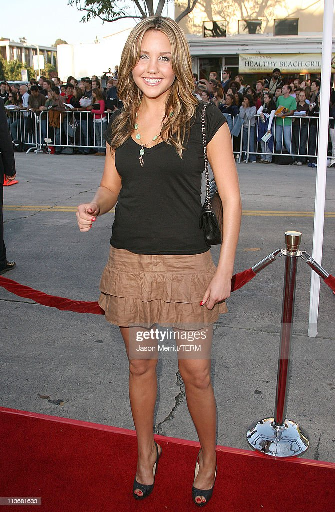 Amanda Bynes during 'The Break Up' Los Angeles Premiere - Arrivals at Mann Village Theatre in Westwood, California, United States.