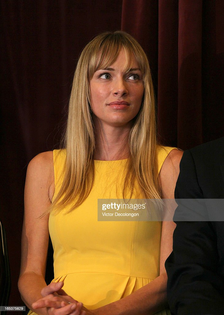 Amanda Enfield, wife of Andy Enfield (not in photo), looks ...