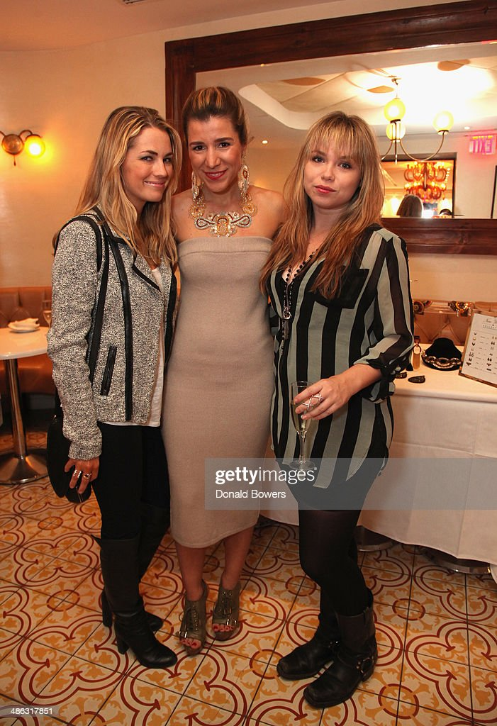<a gi-track='captionPersonalityLinkClicked' href=/galleries/search?phrase=Amanda+Hearst&family=editorial&specificpeople=209166 ng-click='$event.stopPropagation()'>Amanda Hearst</a>, Fernanda Capobianco and <a gi-track='captionPersonalityLinkClicked' href=/galleries/search?phrase=Amanda+Fuller&family=editorial&specificpeople=4262163 ng-click='$event.stopPropagation()'>Amanda Fuller</a> attend Fernanda Capobianco and <a gi-track='captionPersonalityLinkClicked' href=/galleries/search?phrase=Amanda+Hearst&family=editorial&specificpeople=209166 ng-click='$event.stopPropagation()'>Amanda Hearst</a>'s reception to unveil cruelty-free accessory line, The New Yorker Collection at FP Patisserie on April 23, 2014 in New York City.