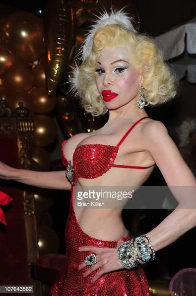 2010 Chandelier Creative Holiday Party Photos and Images | Getty ...