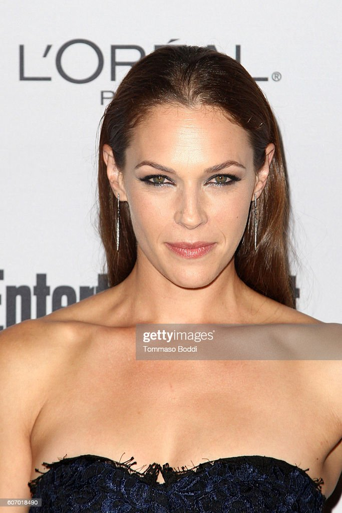 Amanda Righetti attends the Entertainment Weekly's 2016 Pre-Emmy Party held at Nightingale Plaza on September 16, 2016 in Los Angeles, California.