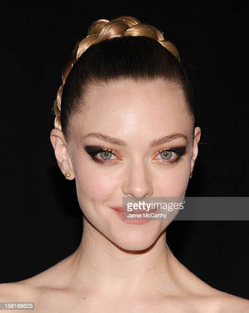 Amanda Seyfried attends the 'Les Miserables' New York premiere at Ziegfeld Theatre on December 10 2012 in New York City