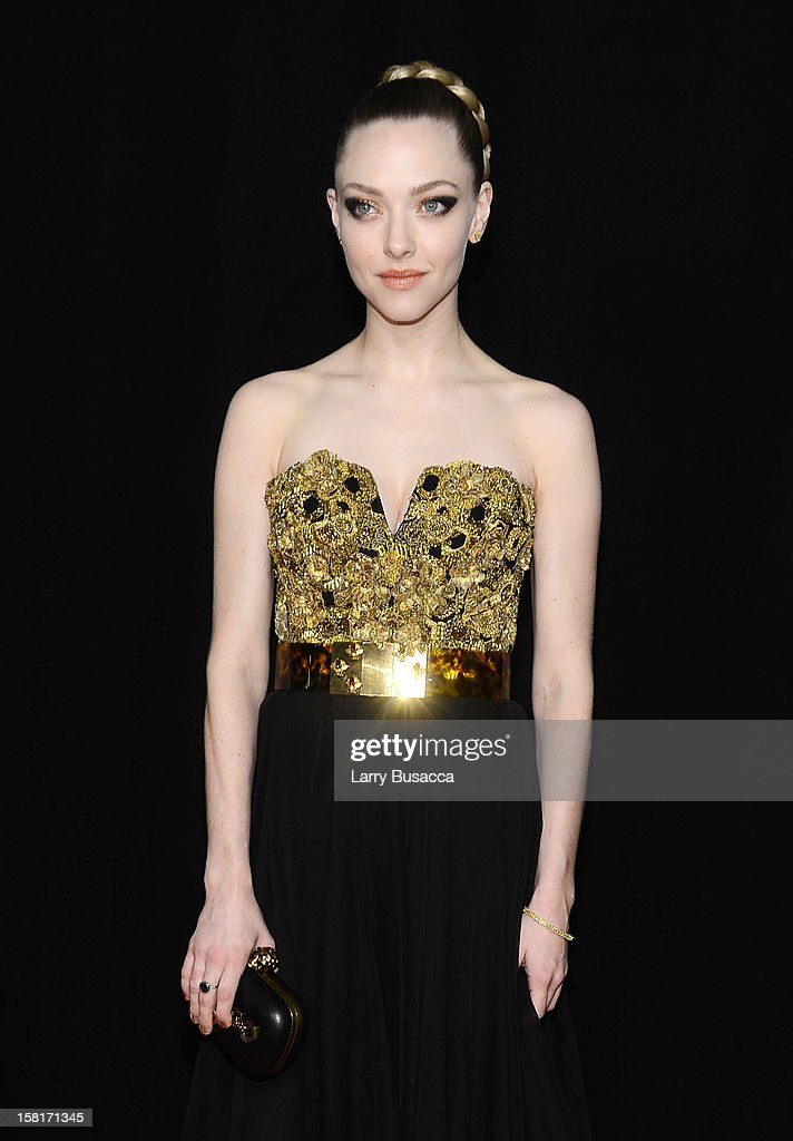 <a gi-track='captionPersonalityLinkClicked' href=/galleries/search?phrase=Amanda+Seyfried&family=editorial&specificpeople=216619 ng-click='$event.stopPropagation()'>Amanda Seyfried</a> attends the 'Les Miserables' New York premiere at Ziegfeld Theatre on December 10, 2012 in New York City.