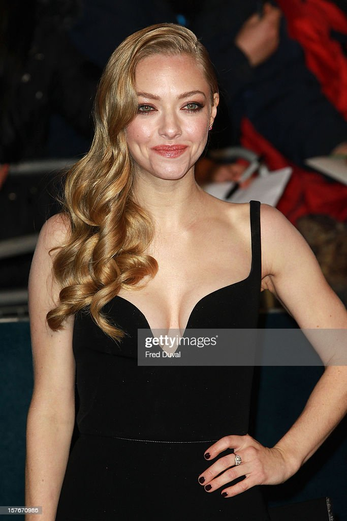 Amanda Seyfried attends the World Premiere of 'Les Miserables' at Odeon Leicester Square on December 5, 2012 in London, England.