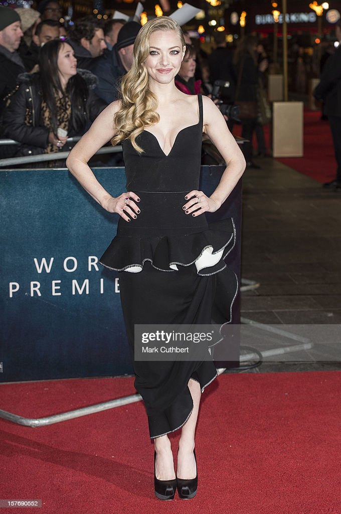 <a gi-track='captionPersonalityLinkClicked' href=/galleries/search?phrase=Amanda+Seyfried&family=editorial&specificpeople=216619 ng-click='$event.stopPropagation()'>Amanda Seyfried</a> attends the world premiere of 'Les Miserables' at Odeon Leicester Square on December 5, 2012 in London, England.