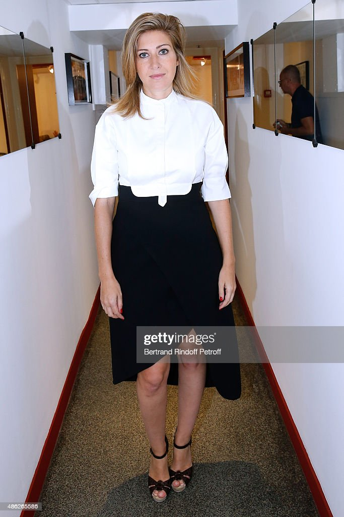 <a gi-track='captionPersonalityLinkClicked' href=/galleries/search?phrase=Amanda+Sthers&family=editorial&specificpeople=4294346 ng-click='$event.stopPropagation()'>Amanda Sthers</a>, wearing a dress from Vanessa Bruno Couture, presents her book 'Les Promesses' during the 'Vivement Dimanche' French TV Show. Held at Pavillon Gabriel on September 2, 2015 in Paris, France.