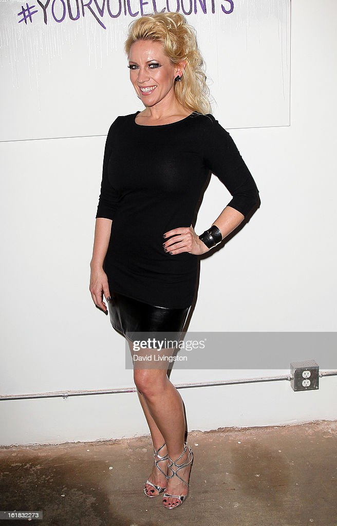 Amanda Whitis attends Linda's Voice joining with 'The Vagina Monologues' One Billion Rising Campaign at Voice's Unsilenced Live Art Auction at LAB ART on February 16, 2013 in Los Angeles, California.