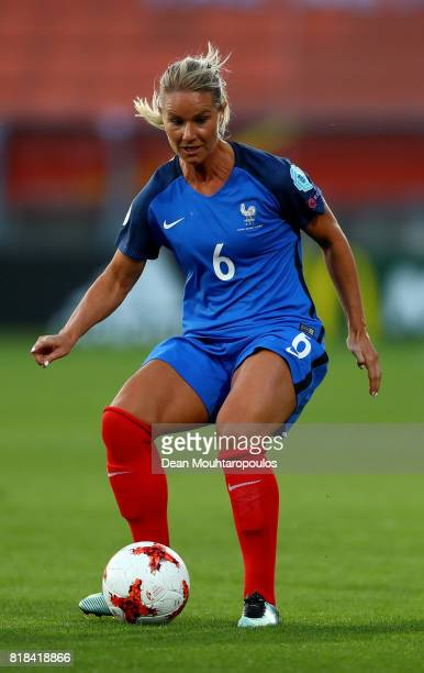 Amandine Henry of France runs with the ball during the Group C match between France and Iceland during the UEFA Women's Euro 2017 at Koning Willem II...