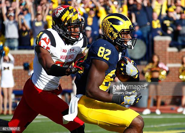Amara Darboh of the Michigan Wolverines catches a first half touchdown Alvin Hill of the Maryland Terrapins on November 5 2016 at Michigan Stadium in...
