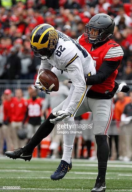 Amara Darboh of the Michigan Wolverines catches a pass during the second quarter against the Ohio State Buckeyes at Ohio Stadium on November 26 2016...