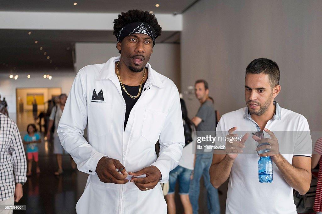 Amar'e Stoudemire a former NBA player visits Israel Museum on August 9, 2016 in Jerusalem, Israel. Amar'e joined Israeli team Hapoel Jerusalem