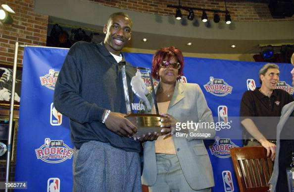 Amare Stoudemire of the Phoenix Suns with his mother Carrie as he receives the got milk Rookie of the Year award at a press conference at the Hard...