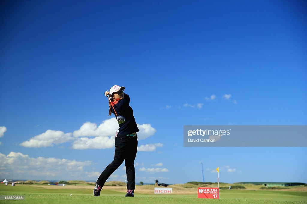 Amateur <a gi-track='captionPersonalityLinkClicked' href=/galleries/search?phrase=Lydia+Ko&family=editorial&specificpeople=5817103 ng-click='$event.stopPropagation()'>Lydia Ko</a> of New Zealand tees off on the 17th hole during the second round of the Ricoh Women's British Open at the Old Course, St Andrews on August 2, 2013 in St Andrews, Scotland.