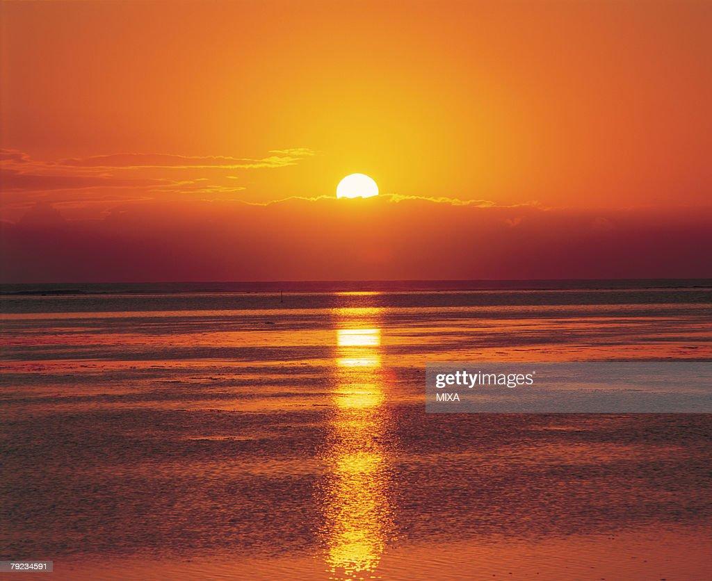 Amazing seascape at sunset in Tahiti : Stock Photo