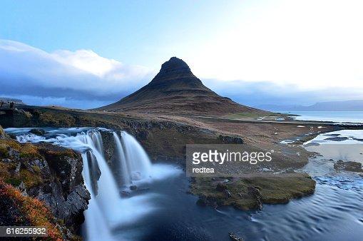 Amazing sunset the top of Kirkjufellsfoss waterfall : Stock Photo