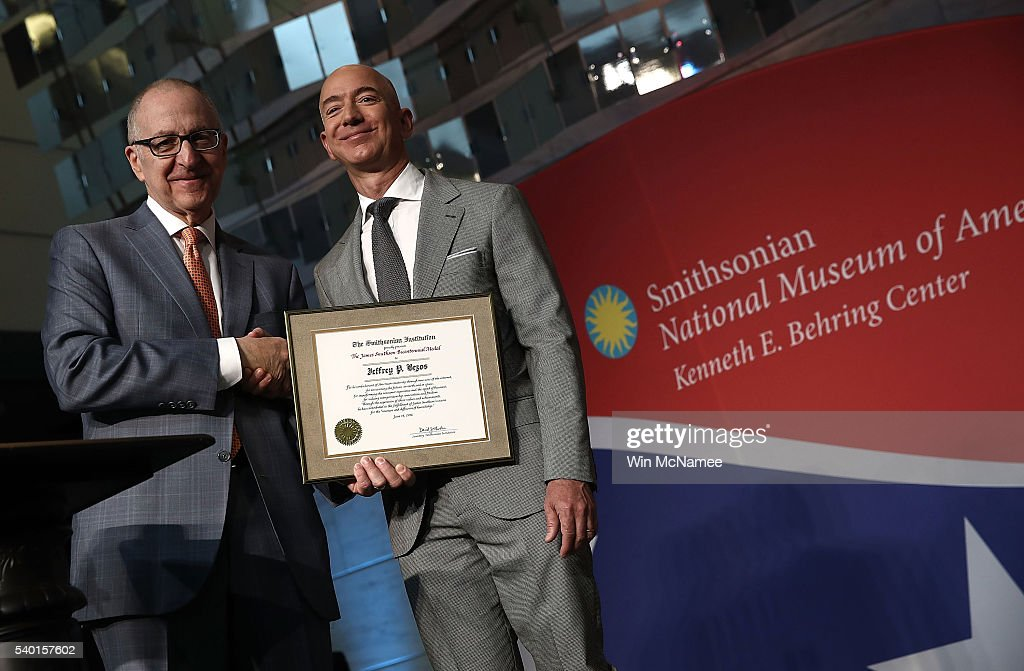 Smithsonian Hosts Naturalization Ceremony And Honors Jeff Bezos With Its Bicentennial Medal