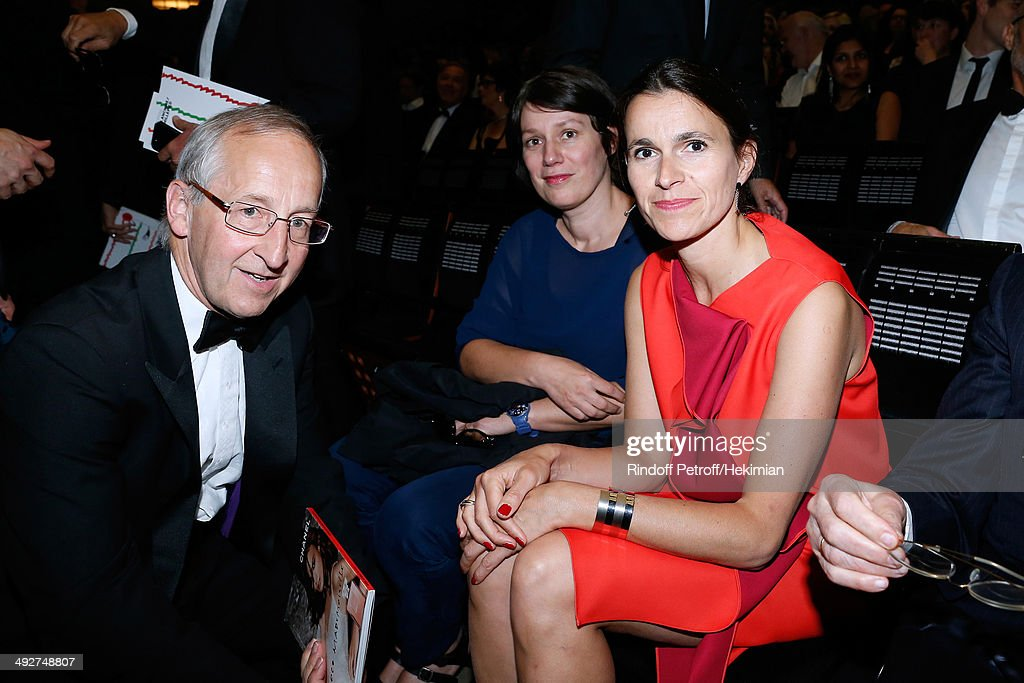 Ambassador of England Sir Peter Ricketts (L), French Culture Minister Aurelie Filippetti (R) and her child friend Celine Caringi attend the AROP Charity Gala. Held at Opera Bastille on May 21, 2014 in Paris, France.