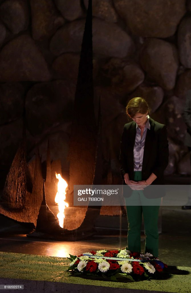 US Ambassador to the United Nations Samantha Power lays a wreath at the Hall of Remembrance on February 14, 2016 during her visit to the Yad Vashem Holocaust Memorial museum in Jerusalem commemorating the six million Jews killed by the German Nazis and their collaborators during World War II. / AFP / Gali Tibbon