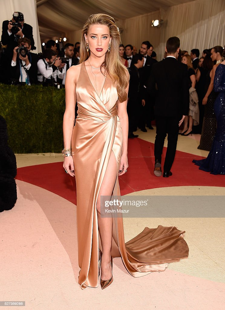 Amber Heard attends 'Manus x Machina: Fashion In An Age Of Technology' Costume Institute Gala at Metropolitan Museum of Art on May 2, 2016 in New York City.