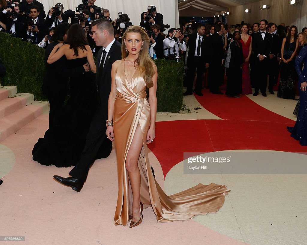 Amber Heard attends 'Manus x Machina Fashion in an Age of Technology' the 2016 Costume Institute Gala at the Metropolitan Museum of Art on May 02...
