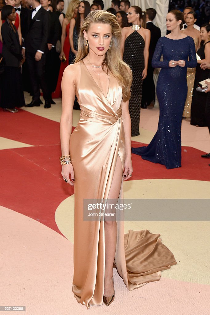 <a gi-track='captionPersonalityLinkClicked' href=/galleries/search?phrase=Amber+Heard&family=editorial&specificpeople=2210577 ng-click='$event.stopPropagation()'>Amber Heard</a> attends the 'Manus x Machina: Fashion In An Age Of Technology' Costume Institute Gala at Metropolitan Museum of Art on May 2, 2016 in New York City.