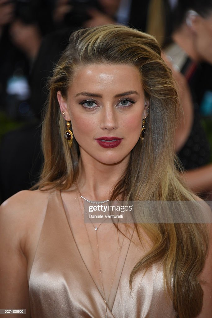 Amber Heard attends the 'Manus x Machina Fashion In An Age Of Technology' Costume Institute Gala at the Metropolitan Museum on May 02 2016 in New...