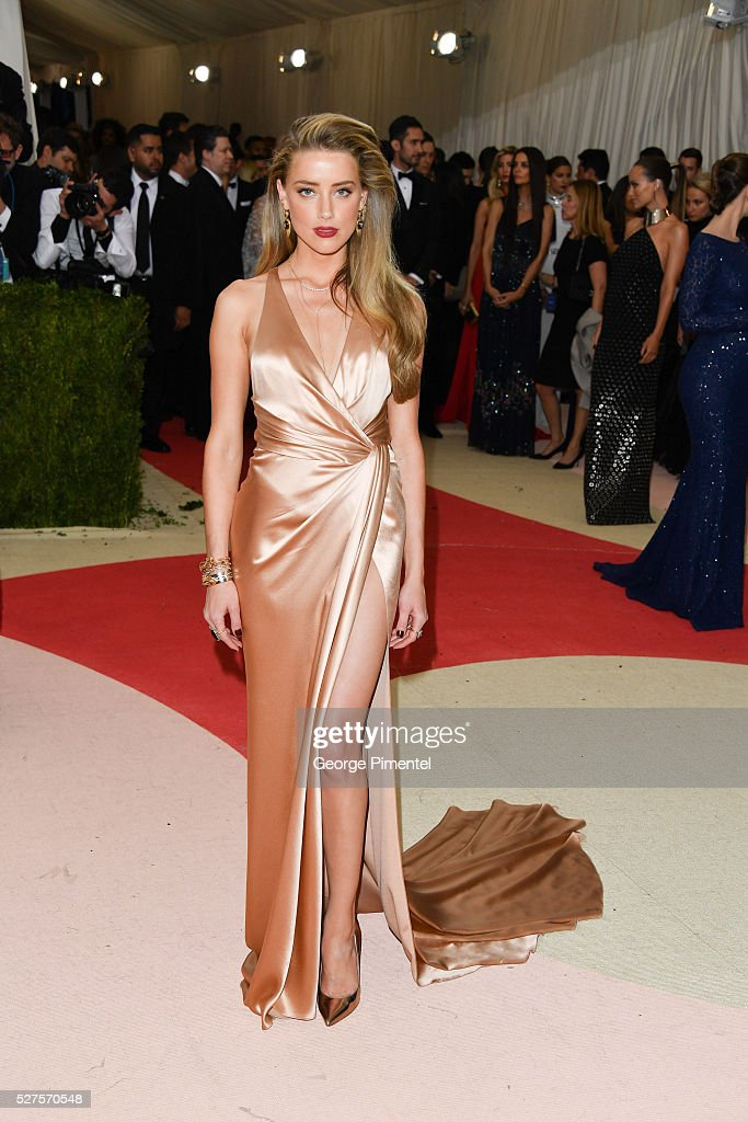 Amber Heard attends the 'Manus x Machina Fashion in an Age of Technology' Costume Institute Gala at the Metropolitan Museum of Art on May 2 2016 in...